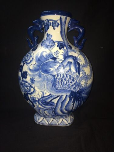ANTIQUE CHINESE KANGXI REIGN BLUE AND WHITE  MOON VASE . MARKED 4 CHARACTERS