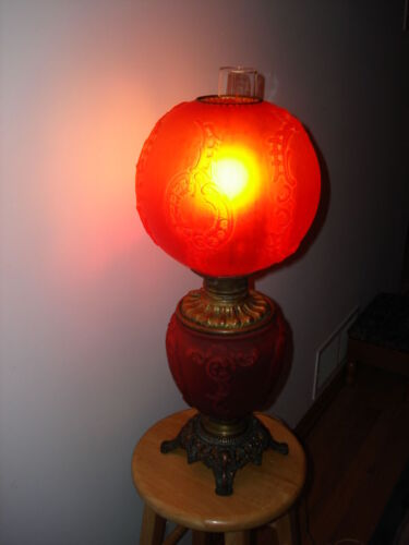 ANTIQUES RARE COLLECTIBLE GONE WITH THE WIND GWTW ELECTRIC RED GLASS PARLOR LAMP