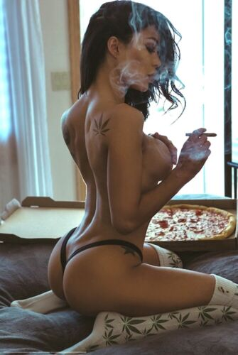 MUNCHIES - SEXY WEED POSTER 24x36 - MARIJUANA SMOKING HOT GIRL 51693