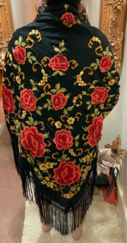 BEAUTIFUL VINTAGE 1930's CHINESE EMBROIDERED SILK PIANO SHAWL EMBROIDERY #6!