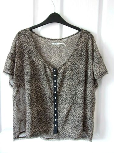 Sheer Ditsy Blouse Size L by Kimchi Blue.Brown Floral.Button Fastening.Hip Len.