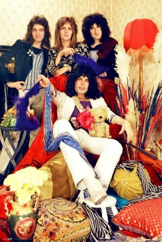 QUEEN - BAND POSTER 24x36 - MUSIC 1575