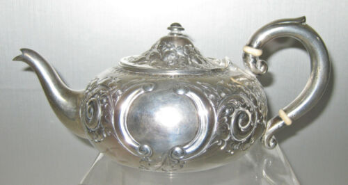 STERLING ENGLISH ANTIQUE HAND CHASED TEA POT c.1800s, 298 gr.