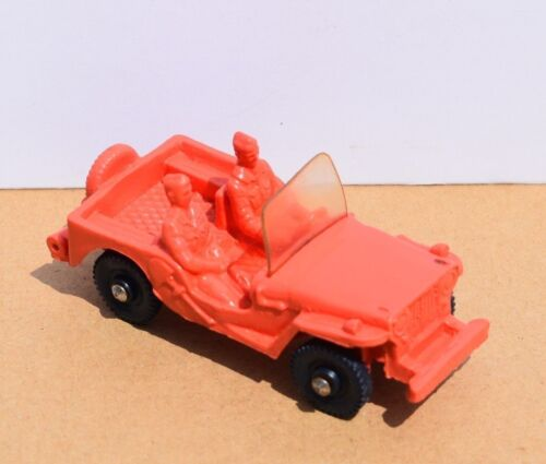 Voiture Tomte Laerdal ? N°18 LAND ROVER CONVERTIBLE ROUGE