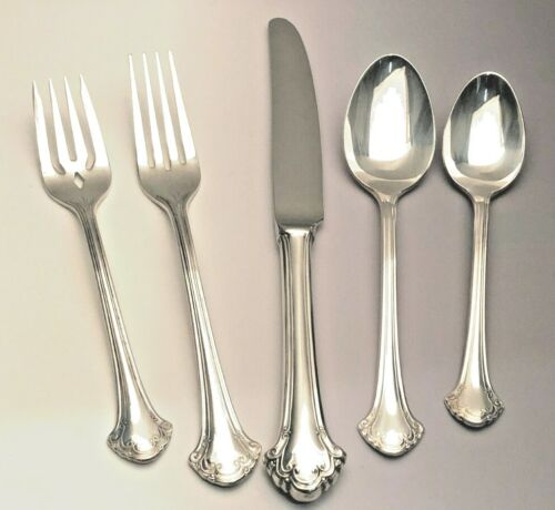 Boston Chippende by Towle  Silverplate Flatware 5 piece Place Settings, nice
