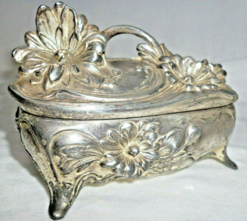 ANTIQUE VICTORIAN ART NOUVEAU SILVER TRINKET BOX with FLOWER DECORATION - 11cm L
