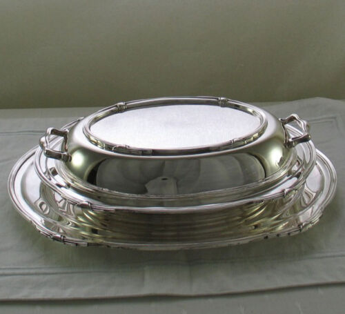 Silver Entree Dish & Cover with Platter 12 in. Jubilee, Patented Applied Border