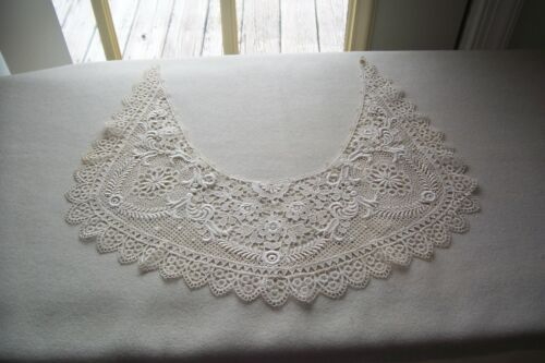 Vintage Ladies  Antique Victorian Edwardian Fancy Dress  Lace Collar