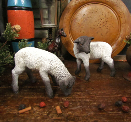 Primitive Vtg Style Farmhouse Meadow Grazing Sheep Easter Lamb Resin Set / 2