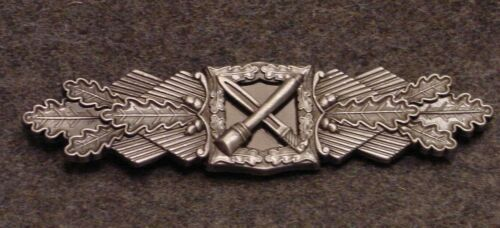 GERMAN WWII CLOSE COMBAT CLASP IN SUBDUED SILVER BRD  WEHRMACHT VETERANS Reproductions - 156443