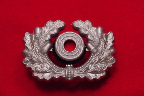 GERMAN WREATH AND COCKADE - OFFICER - WEHRMACHT - REPRODUCTIONReproductions - 156372