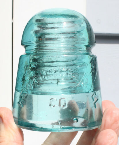 Unique Squatty CD 104 New Eng Tel Glass Insulator - Backwards 'N' and Carbon
