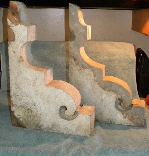 2 LARGE OLD ARCHITECTURAL WOOD CORBELS TIME WORN CHIPPY WEATHERED 19 1/2X13X3