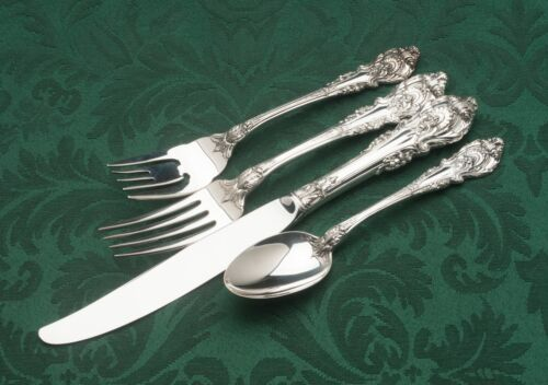 Sir Christopher by Wallace Sterling Silver 32 piece Service for 8, gently used