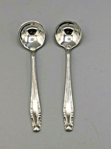 """Stradivari by Wallace Sterling Silver pair of Salt Spoons 2.5"""""""