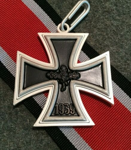 GERMAN MILITARY MEDAL - KNIGHTS CROSS OF THE IRON CROSS 1957 PATTERN - REPLICA