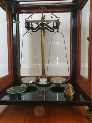Vintage Scientific Beam Balance/Scales made by Selby of Melbourne