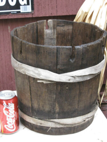 ANTIQUE COUNTRY FARM PRIMITIVE WOOD SYRUP PAIL WATER SAP BUCKET AMERICANA ART