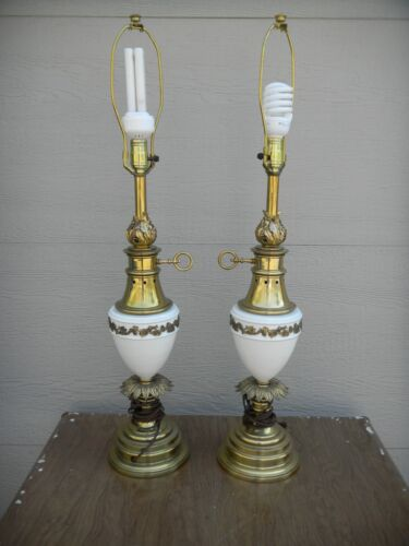 Beautiful Pair c1960's Stiffel Hollywood Regency Table Lamps Brass & Porcelain