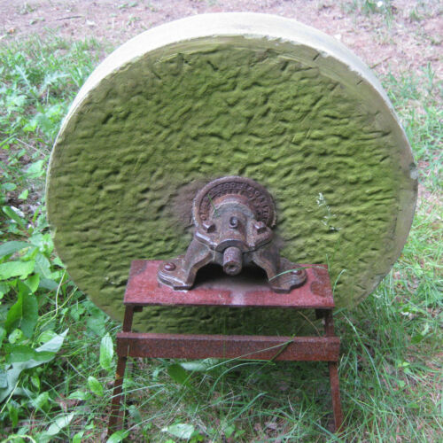 ANTIQUE ARCHITECTURAL FLOWER GARDEN YARD ART MILL TOOL GRINDING STONE CAST IRON