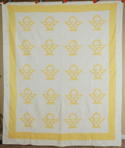 NICELY QUILTED Vintage 30's Yellow & White Baskets Antique Quilt!