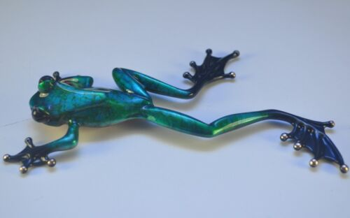 MINION SHOW VERISON OF MAKING TRACKS by Frogman Tim Cotterill Bronze Frog