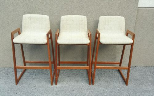 3 1970'S DESIGNER DANISH MODERN BAR  STOOLS - P MANNER OF ERIK BUCK