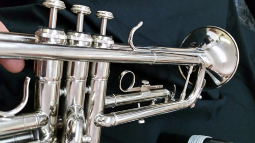 Bb TRUMPET-BANKRUPTCY-NEW STUDENT TO INTERMEDIATE CONCERT SILVER BAND TRUMPETS   <br/> GREAT PLAYING-PERFECT FOR SCHOOL BAND AND CONCERTS.