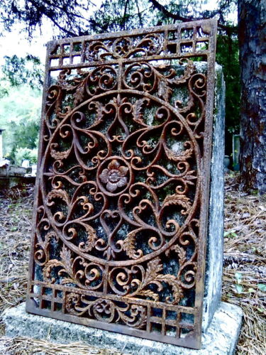 FAMOUS CAST IRON FLEUR DE LIS FRENCH ORNATE GRATE HEAVY GARDEN GATE PANEL MAT