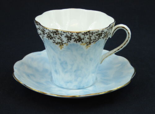 Elizabethan Cup and Saucer Flat Taylor Kent England 4226 Blue Scalloped Gold