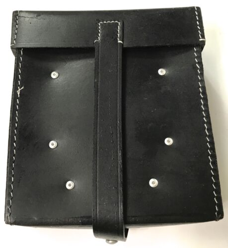 WWII GERMAN MG GUNNER TOOL POUCH- BLACK LEATHERGermany - 156432