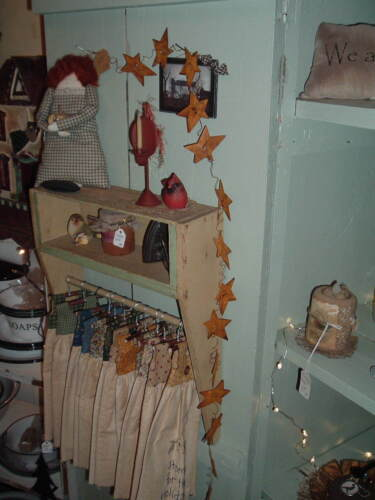 Rusty Tin Star Wire Garland  6 ft  Americana Rustic Primitive