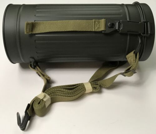 WWII GERMAN M31 GAS MASK CARRY CANISTER WITH STRAPSGermany - 156432