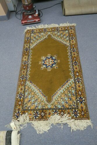 Vintage Rabat Moroccan Morocco Artisanat Hand-Knotted Wool Area Rug 2'9 x 4'8