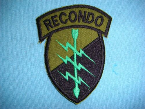 US Army 101st Airborne Division RECONDO School OD Green /& Black pocket patch c//e