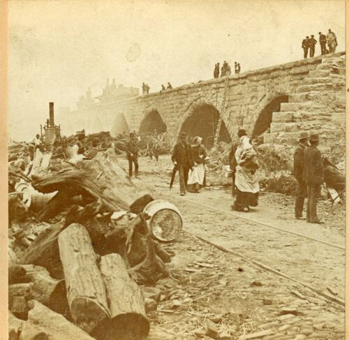 Johnstown Flood 1889: Bridge of Death; BW Kilburn C555