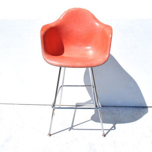 Herman Miller Eames Fiberglass Arm Chair with H-Base (MR11483)
