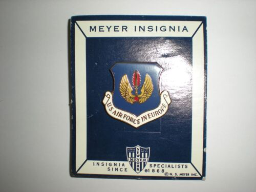 USAF AIR FORCES IN EUROPE USAFE BERET BADGE - COLD WAR ERA - MINT ON CARD!Original Period Items - 13983