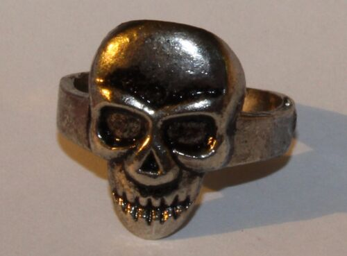 SKULL Ring ~ NEW - Very Cheap, Low Quality MENS Fashion finger A