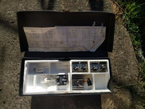Unknown Siemens electronics components & kits in collectibles carrying case