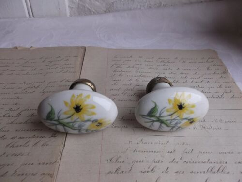 French a pair of  porcelain cabinet - door knobs simple classic vintage