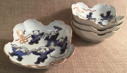 "Set 4 Antique Asian Imari Porcelain 6"" Bowls Scalloped Edge Design Dancing Scene"