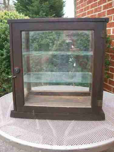 ANTIQUE COUNTER TOP DISPLAY CABINET