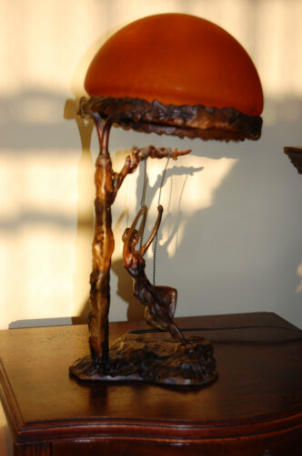 ANTIQUE BEAUTIFUL BRONZE BRASS TABLE LAMP  ORANGE SPOTTED GLASS SHADE SIGN
