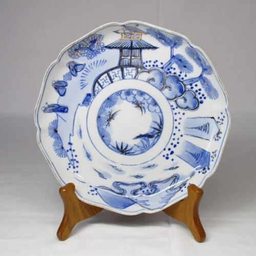 A018: Japanese old IMARI porcelain plate with good blue-and-white tone
