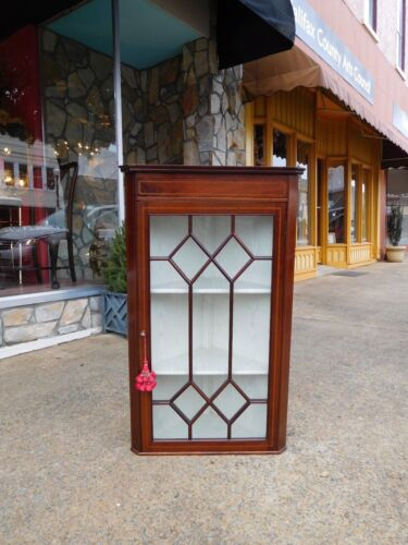 Outstanding English Hanging Wall Corner Cupboard In Mahogany 20th Century