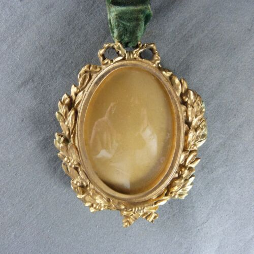 Antique French Gilt Bronze Ormolu Hanging Picture Frame whit Ribbon 19th century