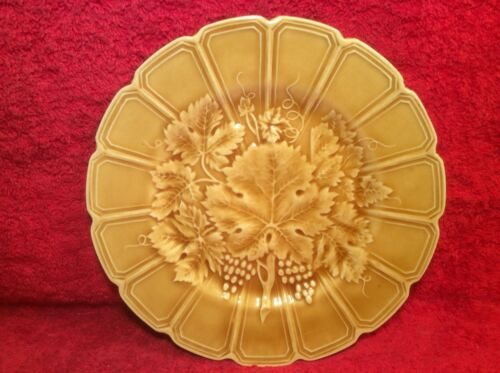 Antique French Majolica Grapes & Wine Leaves Plate, fm293