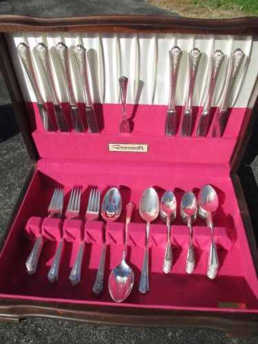 HOLMES & EDWARDS SPRING GARDEN FLATWARE SET 1949  NICE SET w/ BOX