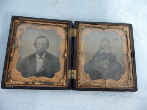 DAGUERREOTYPE PHOTO OF A MAN & WOMAN IN A DETAILED GUTTA PERCHA CASE